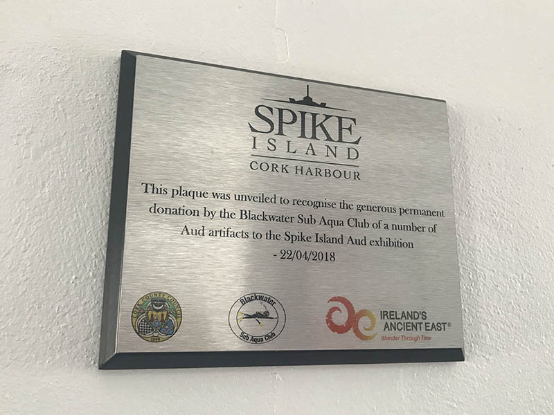 SPIKE EXTERIOR PLAQUE