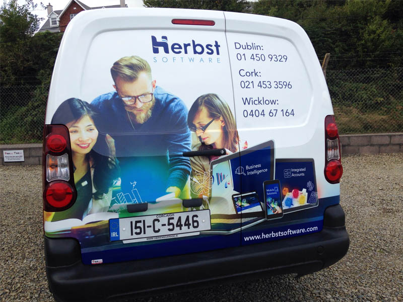 3_Herbst partial wrap rear small van