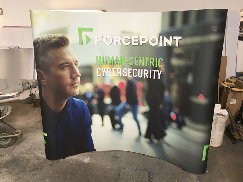 Forcepoint 5 Panel Pop Up Stand
