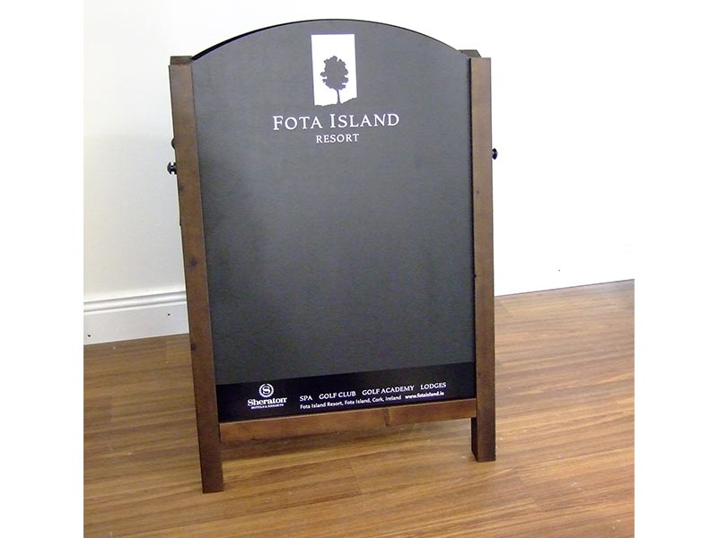 Fota Island Pavement Sign